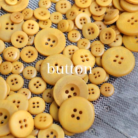 | 天然ナットの草木染ボタン